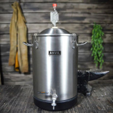 7.5 Gallon Anvil Bucket Fermentor